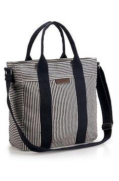 i might just go for this i need a bag - Taschen gehäkelt, gestrickt, genäht - Bolsas Diy Tote Bag, Tote Bags, Diy Handbag, Bag Patterns To Sew, Denim Bag Patterns, Patchwork Bags, Quilted Bag, Fabric Bags, Handmade Bags