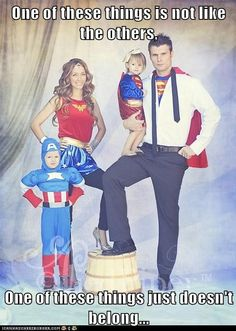 Costumes is the leading online retailer for quality Halloween Costumes for kids, adults, and everyone in between! View our large selection of Halloween Costumes and accessories today! Diy Disfraces, Halloween Disfraces, Holidays Halloween, Halloween Party, Group Halloween, Halloween 2017, Halloween Pictures, Happy Halloween, Family Themed Halloween Costumes