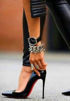 Christian Louboutin. Black patent heels. Tacchi Close-Up #Shoes #Tacones #Heels