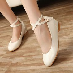 Casual Women's Flat Shoes With Solid Color and Cross-Straps Design (WHITE,39) China Wholesale - Sammydress.com