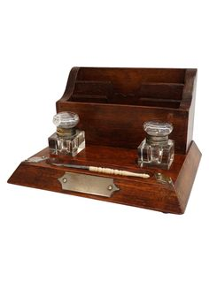 Edwardian four-piece oak inkwell desk set with two original glass-and-silver…