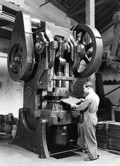 Fabrica Portugal (1920) | fabrico de mobiliário em ferro