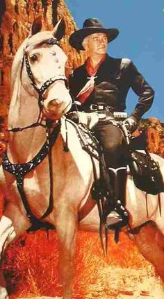 William Boyd was Hopalong Cassidy (with his trusty Topper). Born in Hendrysburg, Belmont County, Ohio but raised in Oklahoma. Hollywood Stars, Old Hollywood, Vintage Tv, Vintage Horror, Vintage Movies, Cowboy Girl, The Lone Ranger, Tv Westerns, Old Shows