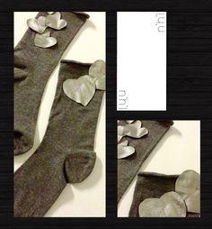 Campionario marchio nihil: calzini in cotone grigio mélange con applicazioni di cuori in vera pelle di agnello argentata, taglia UNICA - Perfetti sia con i tacchi che con sneakers e bikers come da foto - pezzo unico realizzabile anche con varianti su richiesta - #calze #pelle #agnello #sabbia #beige #marrone #ricamo #applicazione #cotone #artigianali #handmade #sartoriale #campionario #nihil #collezione #primavera #estate #2013 #tacchi #biker #sneaker #nero #black #fiocchi #argento