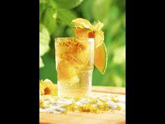 Koktejl Santa Clara - | Prostřeno.cz Santa Clara, Cantaloupe, Fruit, Drinks, Food, Drinking, Beverages, Essen, Drink