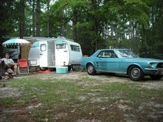 1968 Serro Scotty and 1967 Ford Mustang restored by www. I need that cooler Vintage Campers Trailers, Retro Campers, Vintage Caravans, Camper Trailers, Rv Pictures, Mustang Restoration, Serro Scotty, Teardrop Camper Trailer, Ford Mustang