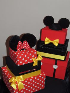Three Tier Mickey Mouse Card Box, perfect for Miickey or Disney Themed Birthday Parties and Events! also available in our shop in Minnie! Mickey Mouse Gifts, Mickey Mouse Party Decorations, Fiesta Mickey Mouse, Mickey Mouse Bday, Mickey Mouse Baby Shower, Mickey Mouse Christmas, Mickey Mouse Clubhouse Birthday, Mickey Mouse Parties, Mickey Party