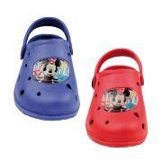 Zuecos de goma de Mickey Mouse...: http://www.pequenosgigantes.es/pequenosgigantes/4568600/zuecos-playa-piscina-de-mickey-mouse.html