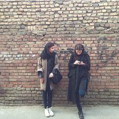 Street style. @negarfatahi on Instagram