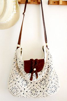 crochet bag  - need to make this!!  http://www.pinterest.com/gigibrazil/boards/
