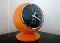 Zegar PREDOM METRON Z 312-1 - zegar kula l. 60-70 kolor pomarańczowy  #vintage #vintagefinds #vintageshop #forsale #design #midcentury #midcenturymodern #polish #classic #predom #metron #sphere #clock