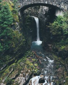 Planning a visit to Washington State? Click the image for a complete travel guide!