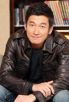 Jo Seung-woo: 'I Want to Break Record of Other Baseball Movies' @ HanCinema :: The Korean Movie and Drama Database