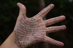 a veces las manos dicen muchas cosas...