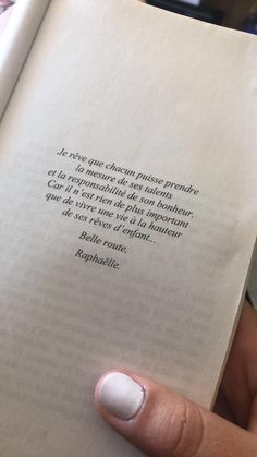 French Words, French Quotes, Pretty Words, Kind Words, Happy Minds, Wise Quotes, Quotations, Positivity, Messages