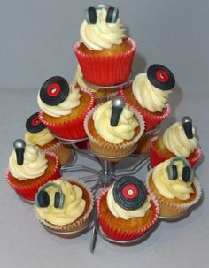 Queens Diamond Jubilee cupcakes - DJ cupcakes