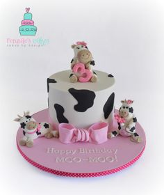 Yesterday was my daughters birthday and she has a slight obsession with cows! She is into so much stuff, so went with the clear choice of cows. She loved her little cake :) I also delved into sugar cookies for the first time. I didnt have a. Cow Birthday Cake, Cow Birthday Parties, Farm Birthday, Cow Cakes, Girl Cakes, Cupcake Cakes, Cake Name, Farm Cake, Cute Cows