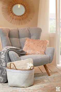 This is how comfortably you furnish your bedroom in a boho look. - Trend // Wohnen im Boho-Stil - taktak decor Living Room Chairs, Living Room Furniture, Home Furniture, Living Room Decor, Bohemian Bedroom Decor, My New Room, Home And Living, Room Inspiration, Interior Design