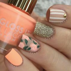 Coffin acrylic nails are very trendy despite their name. In fact, the coffin-shaped nails are popular due to the number of reasons. Besides being worn by many celebrities, they are also easy to work with. Matte Nail Polish, Acrylic Nails, Nail Polishes, Nagel Hacks, Nails 2018, Metallic Nails, Trendy Nails, Spring Nails, Nails Inspiration