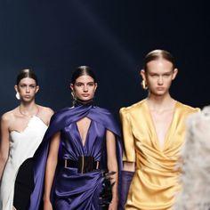 Isabel Sanchís SS21: una colección brillante * MAGAZINE by Aurora Vega Boutique, Aurora, Catwalk, Sari, Fashion, Glow, Curves, Feminine, Ears