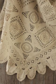 Antique Vintage French bedcover coverlet crochet lace handmade Crocheted old