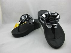 2012 Womens Fitflops flower black you may want to have one
