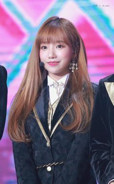 190106 GDA 수상 인이어 만질때 할미 심장 툭 얼굴 열일 중😇 #조유리 #チョユリ #JoYuRi #IZONE #아이즈원 #アイズワン Yuri, Sakura Miyawaki, Honda, Golden Disk Awards, Fandom, Japanese Names, Japanese Girl Group, Korean Celebrities, 3 In One
