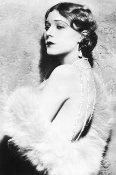 Vilma Banky - 1927 - The Magic Flame
