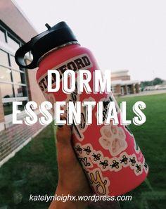 College Dorm Essentials – Katelyn Leigh Dorm Packing Lists, College Dorm Checklist, College Dorm Organization, College Dorm Essentials, College Hacks, College Dorm Rooms, College Life, Dorm Tips, Shopping Hacks