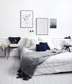 Inspiratieboost: minimalistische kunst boven je bed - Roomed