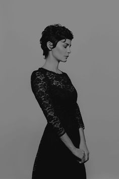 Audrey Tautou by Yves Borgwardt - Black Haircut Styles Audrey Tautou, Pixie Hairstyles, Pixie Haircut, Medium Hair Cuts, Short Hair Cuts, Black Haircut Styles, Short Curly Pixie, Pelo Vintage, Trendy Haircuts