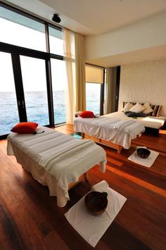 Jumeirah Dhevanafushi - Talise Spa Treatment Room, Honeymoon destinations