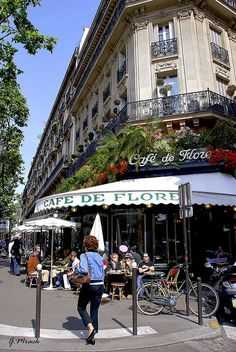 Cafe de Flore at St-Germain-des-Pres, paris