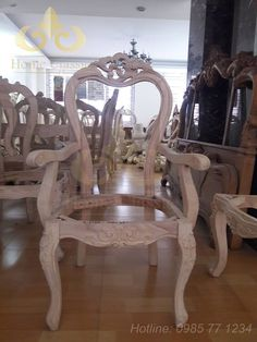 99 Best Chairs Images In 2019 Antique Furniture Antique Chairs