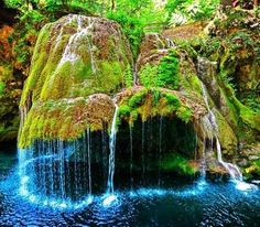 Bigar Waterfall (Romania) - Bigar Waterfall has a unusual look. The World Geography places Bigar as the number one of eight unique waterfalls around the world.