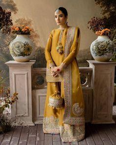 Pakistani Fashion Party Wear, Pakistani Wedding Outfits, Pakistani Dresses Casual, Pakistani Dress Design, Pakistani Mehndi Dress, Pakistani Sharara, Mehendi Outfits, Eid Outfits, Punjabi Fashion