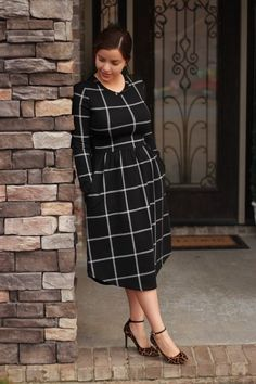 Erika, this years grid dress. Modest Clothing, Modest Dresses, Modest Outfits, Cute Dresses, Midi Dresses, 2015 Dresses, Yoga Clothing, Dresses Online, Curvy Fashion