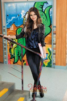 Victoria Justice on the set of victorious