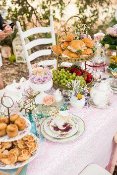 Party Vintage, Vintage Tea Parties, Fairy Tea Parties, Girls Tea Party, Tea Party Birthday, Party Party, French Tea Parties, Garden Parties, Afternoon Tea Party Decorations