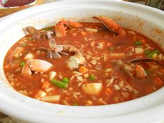 I just love a bowl of steaming hot Maryland Vegetable Crab Soup, don& you? It always takes me back to my summers in Annapolis where as a child I crabbed and Slow Cooker Soup, Slow Cooker Recipes, Crockpot Recipes, Cooking Recipes, Crab Recipes, Soup Recipes, Maryland Crab Soup, Seafood Soup, Seafood Broil