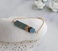 Green bracelet woman Black bracelets for women Delicate Body Jewelry Shop, Diy Jewelry, Beaded Jewelry, Fashion Jewelry, Women Jewelry, Jewelry Making, Beaded Bracelets, Unique Jewelry, Peyote Patterns