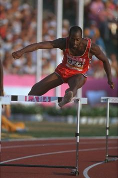 Edwin Moses medaled in the 400m hurdles in three Olympics, earning gold at the Montreal Games in 1976 and the Los Angeles Games in 1984, before taking bronze in Seoul in 1988. He set a world record in Montreal, his first international meet, with a time of 47.64.