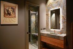 Cuando un baño se viste de mármol... consigue un aspecto como este. Spiderman Quartzite es esa piedra que, la pongas donde la pongas, siempre queda así de extraordinaria. Lavabo piedra | Mármol verde | Mármol Azul | Cuarcita | Lavabo cuarcita