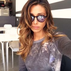 Belen Rodriguez & her simple sombre and curly blowdry!