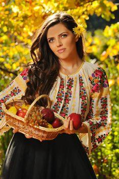 romanian traditional by alina stancioiu on Folk Fashion, Ethnic Fashion, Womens Fashion, Ethno Style, Bohemian Style, Romanian Women, Embroidered Clothes, Folk Costume, Real Beauty
