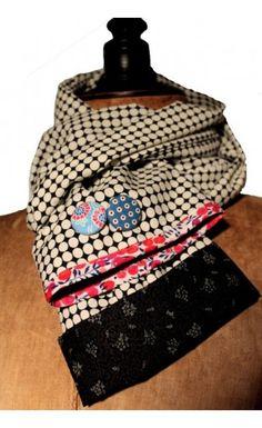 5de5d116b379 Echarpes fait main · Echarpe Tube, Tissu Noir, Cravate, Foulard, Créations  Artisanales, Petite Couture,