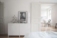 Char and the city - Ikea, Bestå -lipasto