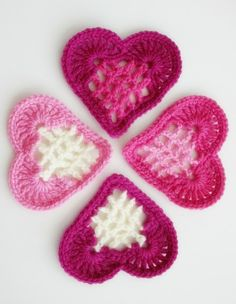 From the Heart Bunting: Crochet some love for Valentine's Day! Get 10 free patterns for your Valentine at Moogly! Free Heart Crochet Pattern, Crochet Motifs, Crochet Stitches, Knit Crochet, Crochet Patterns, Free Pattern, Crochet Appliques, Crochet Birds, Crochet Food