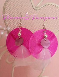 Boucles d'oreilles nacre et plumes roses