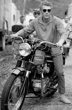 McQueen and his Triumph Bonneville. The coolest man to grace the earth.Steve McQueen and his Triumph Bonneville. The coolest man to grace the earth. Triumph Bonneville, Vintage Bikes, Vintage Motorcycles, British Motorcycles, Steeve Mcqueen, Harley Davidson, R1200r, Sr500, Triumph Motorcycles